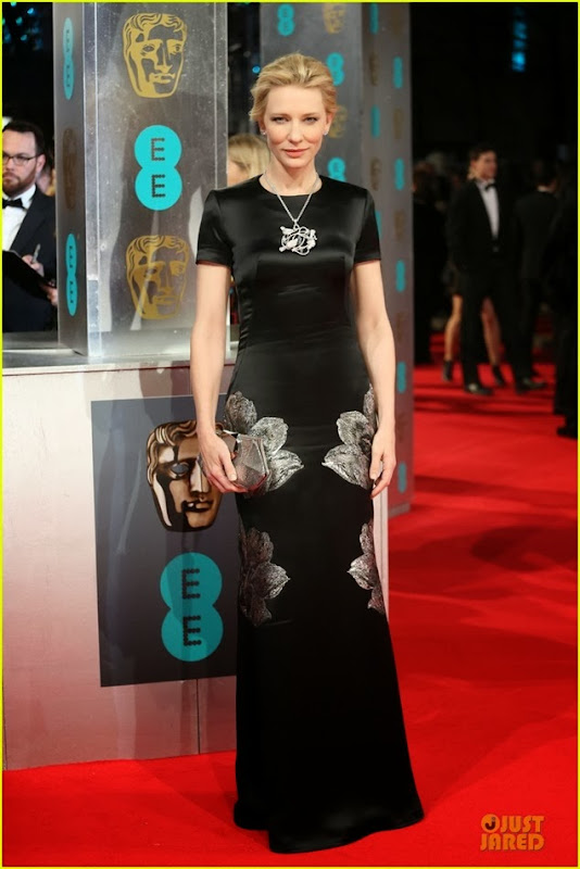 cate-blanchett-baftas-2014-red-carpet-05