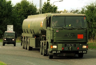 army_oil_tanker_with_escort