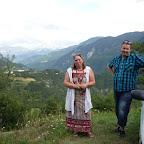 Monique et Carsten derrière eux, la vallée de Barcelonnette vue des Michels .