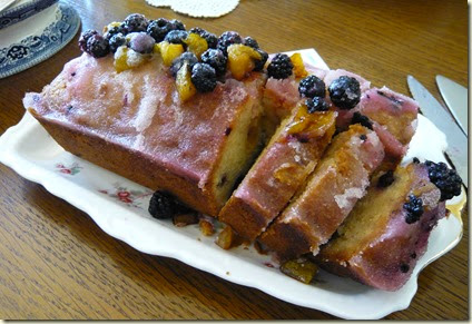 plum and blackberry drizzle cake4