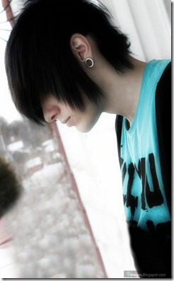 Emo-boy-hairstyle-alone-cute-scene