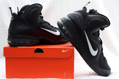 nike lebron 9 pe black white 1 03 PE Spotlight // Nike LeBron 9 Triple Black with White Swoosh