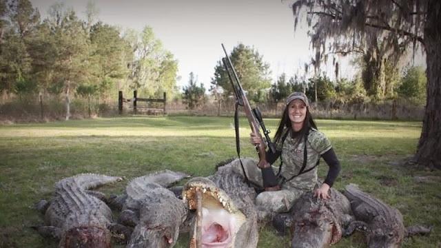 La présentatrice télé qui a abattu un lion fait scandale