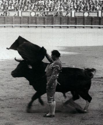 1928-05-24 (Ryan) Chicuelo con Corchaíto Pase por alto de costado
