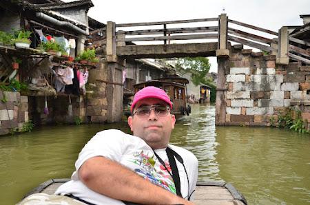 Pe barca pe canalele Venetiei Estului