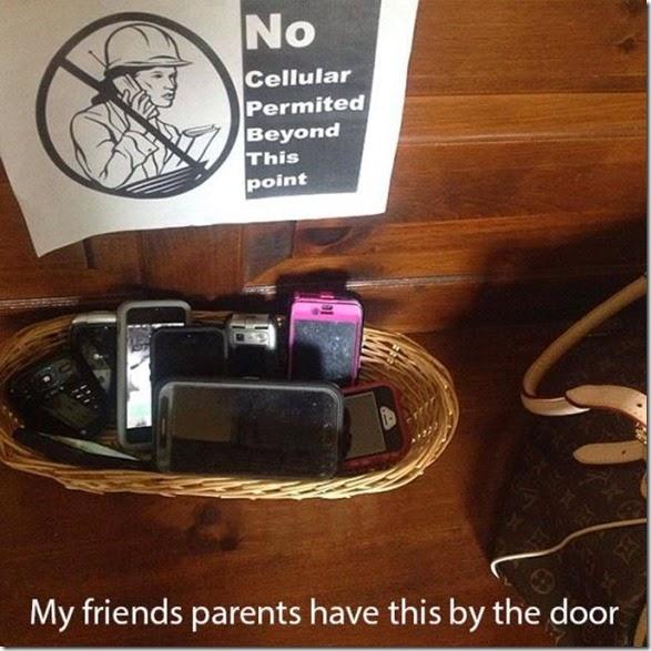 cell-phones-everywhere-019
