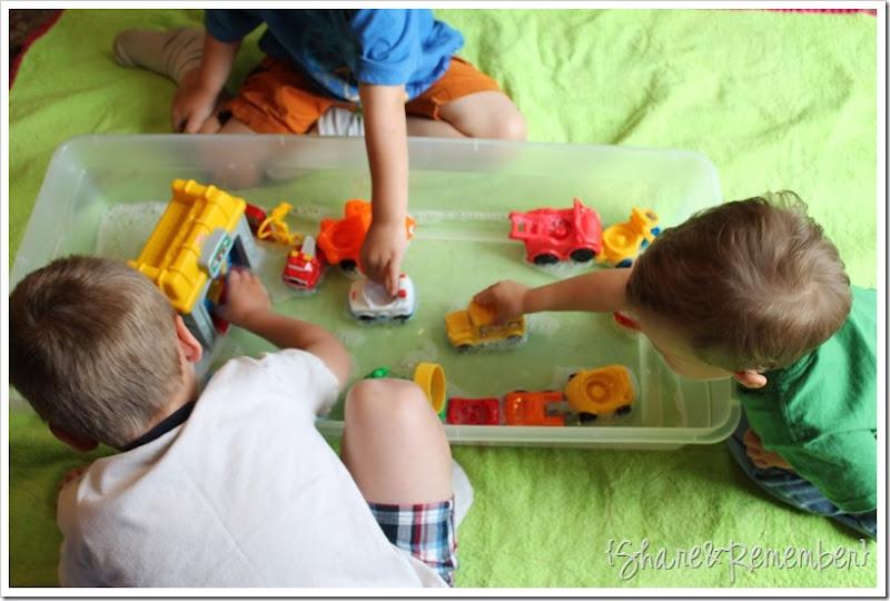 sensory play water bin