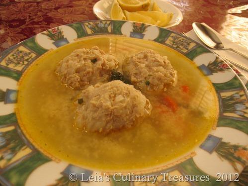 Soup-meatballs-perisoare
