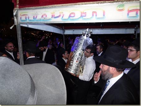 2011-01-22 Hachnasas Sefer Torah Beitar 011