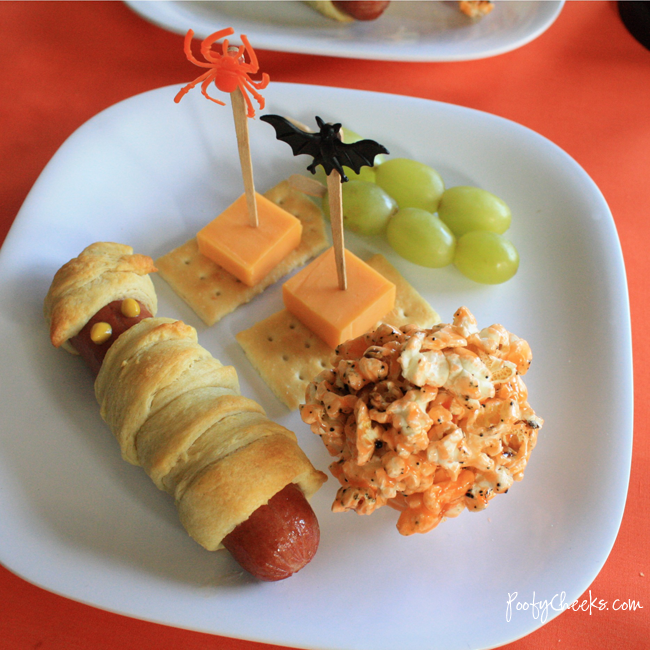 Fun Halloween Lunch by www.poofycheeks.com