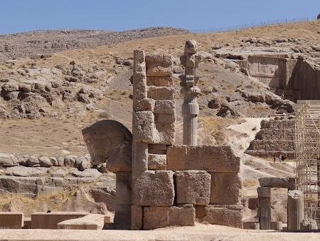 10. Urme din Persepolis.JPG