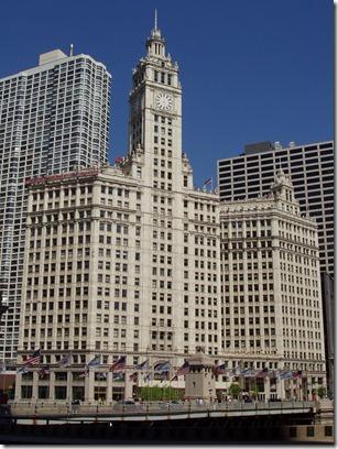 Wrigley_Building_-_Chicago,_Illinois