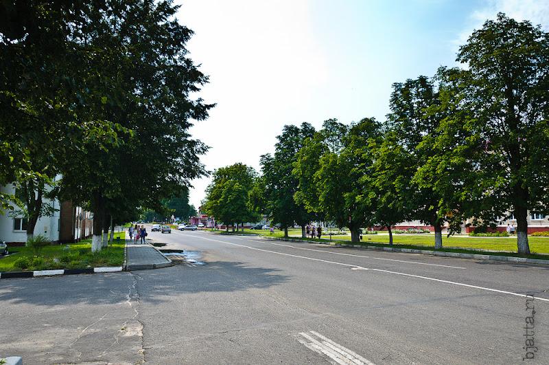 Та же улица, но в противоположну сторону. исплоком здесь получается слева за спиною.
