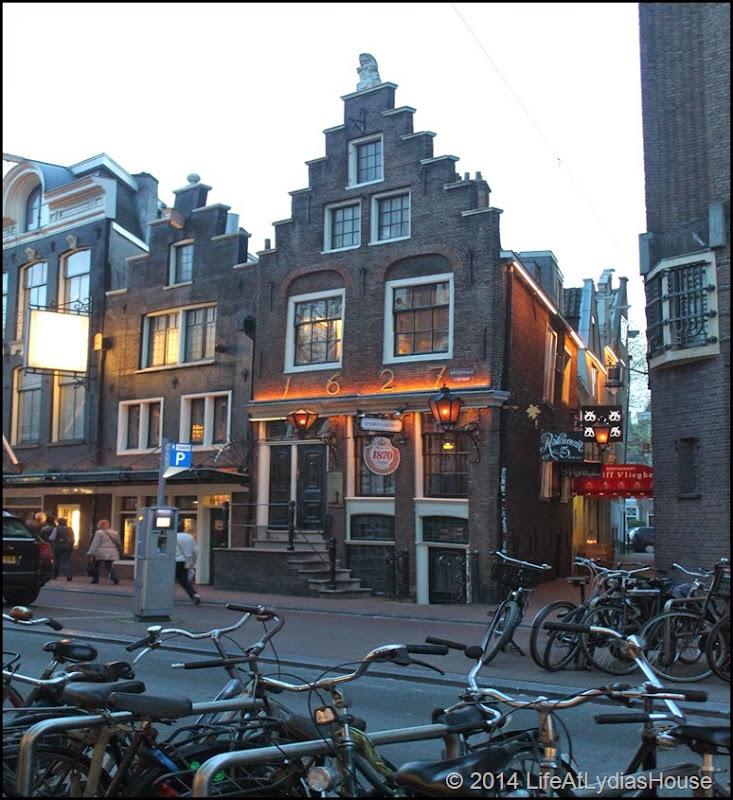 1627 building