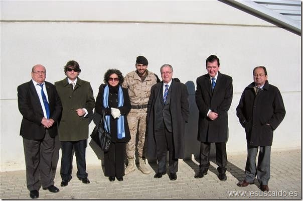 Con el soldado y cofrade Juan Antonio Muñoz Herreros, destinado en esta Unidad