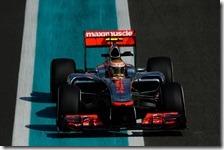 Hamilton conquista la pole del gran premio di Abu Dhabi 2012