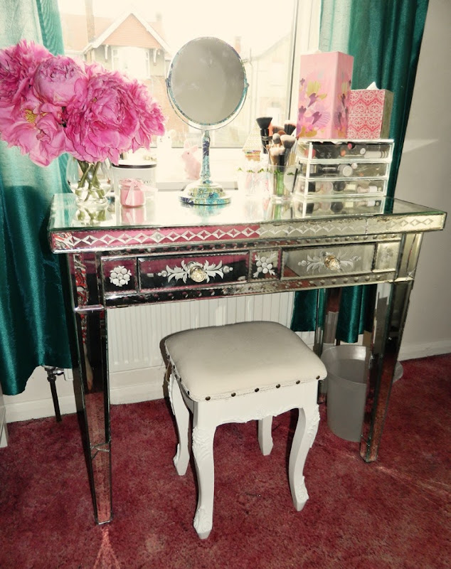 dressing-table-makeover-fin