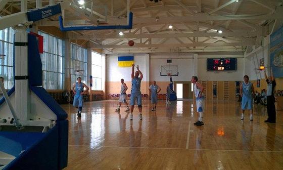 turnir-veteranov-basketball-v-sevastopole-2012-11