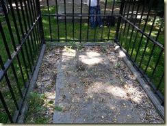 Naundorff grave (Small)