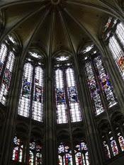 2014.09.11-029 vitraux de la cathédrale Saint-Pierre