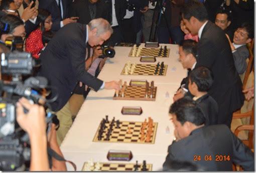 Kasparov Simul at PICC 2014