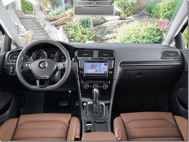 volkswagen_golf_tsi_bluemotion_5-door_3