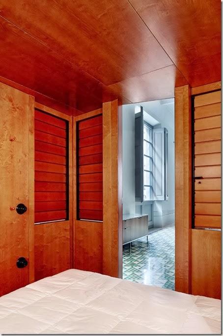 17-Carrer-Avinyo-David-Kohn-Architects-Barcelona-photo-Jose-Hevia-Blach-yatzer