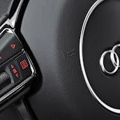 2014_Audi_A3_Sedan_25.jpg