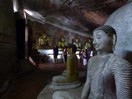 Obiective turistice Sri Lanka: templul din pestera Dambulla