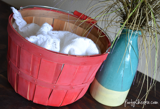 Acrylic Chalk Paint Recipe from Poofy Cheeks