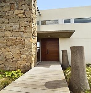 Fachadas casa color los muros arquitectura contemporanea - Piedra para fachadas de casas ...