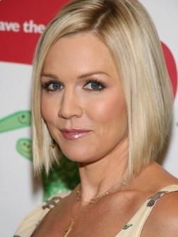 Jennie Garth Short Blonde Hairstyle for 2013