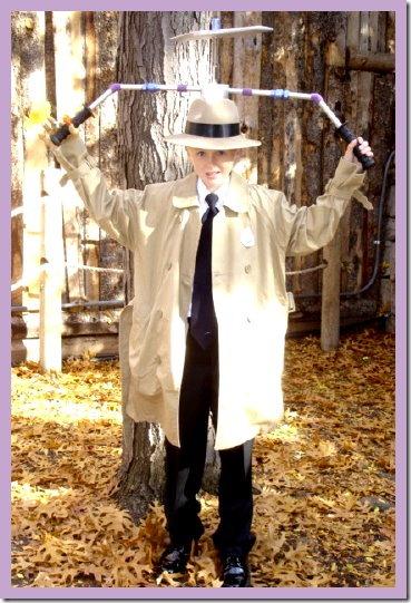 disfraz casero de  Inspector Gadget