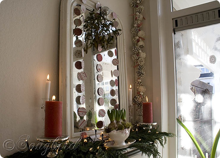 Songbird Christmas Mantel Decor 1