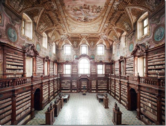 Candida Höfer - Biblioteca Oratoriana Statale, annessa al monumento Nazionale dei Girolamini