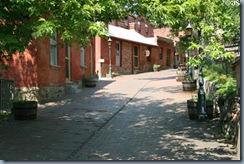 reeders alley2