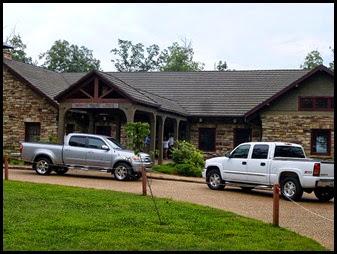 08a3 - Monte Sano Lodge Front