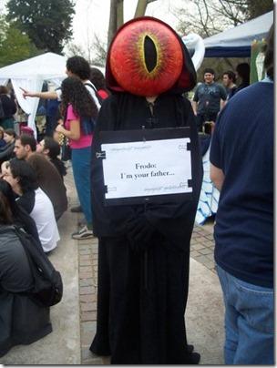disfraz de ojo de sauron (5)