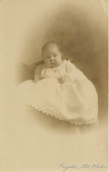 Postcard Priscilla Charlott Giswold DL Antiques