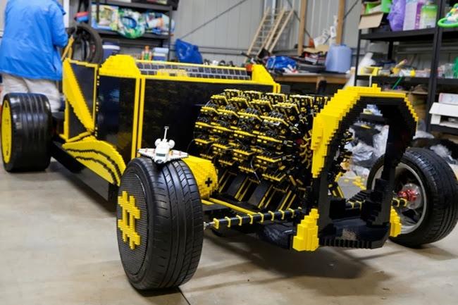 Κατασκεύασαν αυτοκίνητο από Lego το οποίο μάλιστα κινείται!