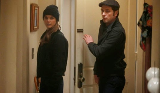 "THE AMERICANS -- ""Stealth"" -- Episode 11 (Airs Wenesday, May 7, 10:00 PM e/p) Pictured: (L-R) Keri Russell as Elizabeth Jennings, Matthew Rhys as Philip Jennings. CR. Craig Blankenhorn/FX"