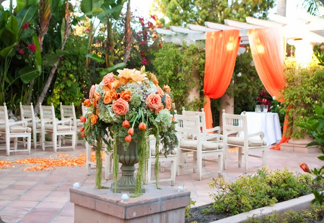intimate ceremony site shell-rancho-valencia-rustic-fall-wedding-ceremony-urn aileen tran