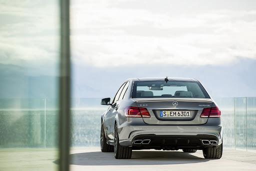 Mercedes-Benz-E-63-AMG-03.jpg