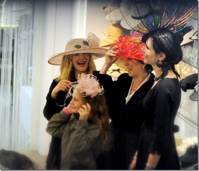 Drew Barrymore Drew Barrymore Tries Wedding 0vrpV3Q50b5l