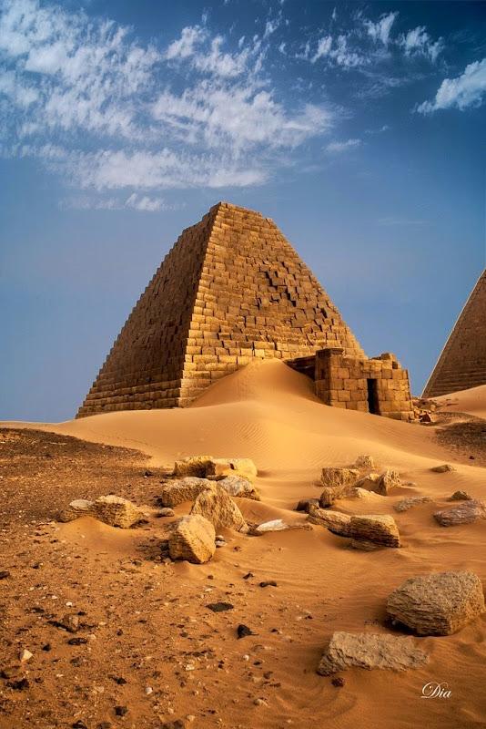 pyramids-nubian-3