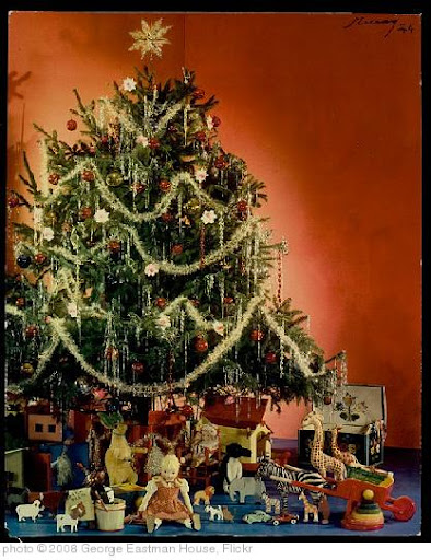 'MCCALL HOMEMAKING COVER, XMAS TREE' photo (c) 2008, George Eastman House - license: http://www.flickr.com/commons/usage/