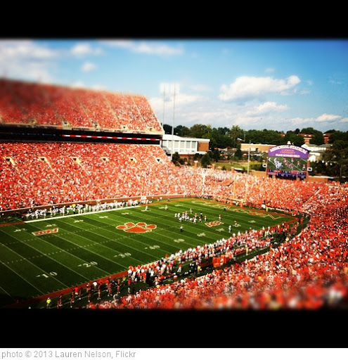 'Clemson Football' photo (c) 2013, Lauren Nelson - license: http://creativecommons.org/licenses/by/2.0/