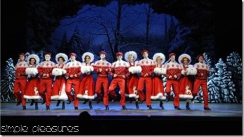 Christmas-theatre-White-Christmas-at-The-Lowry-e1354663353506-472x264