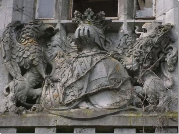 abandoned-castle-belguim-34