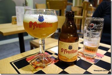Brussel-zuid駅前カフェ